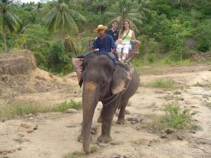 Andando en elefante en Tailandia