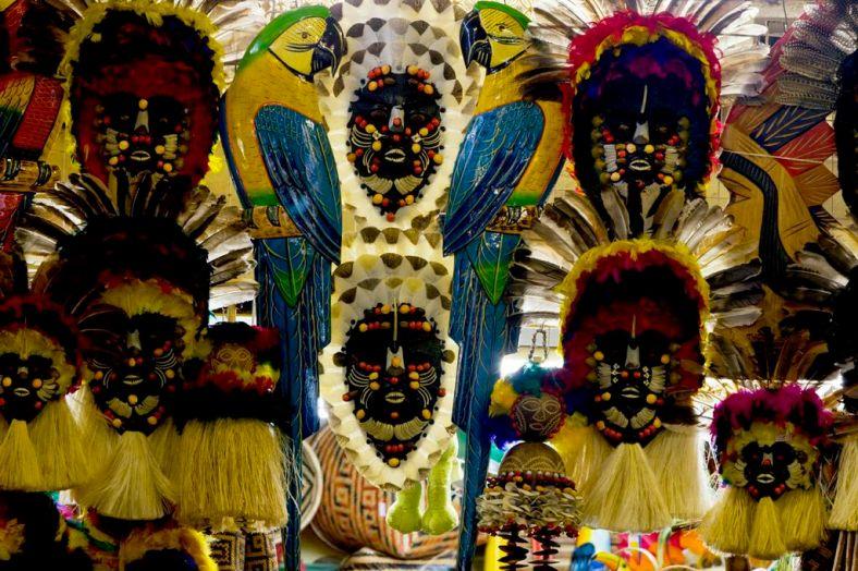 Mascaras Indigenas Vendidas en el Mercado Municipal de Manaus, Brasil 3