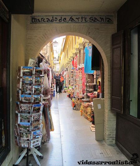 Mercado de artesanias de Granada, España