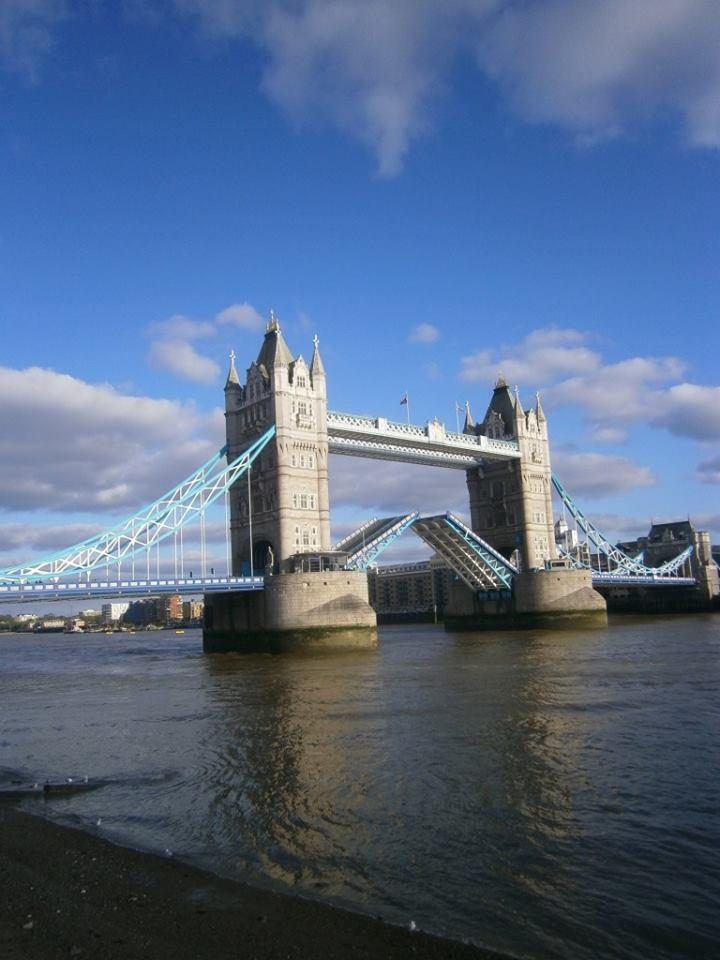 Puente de la Torre levantado - foto de Débora Mazzola