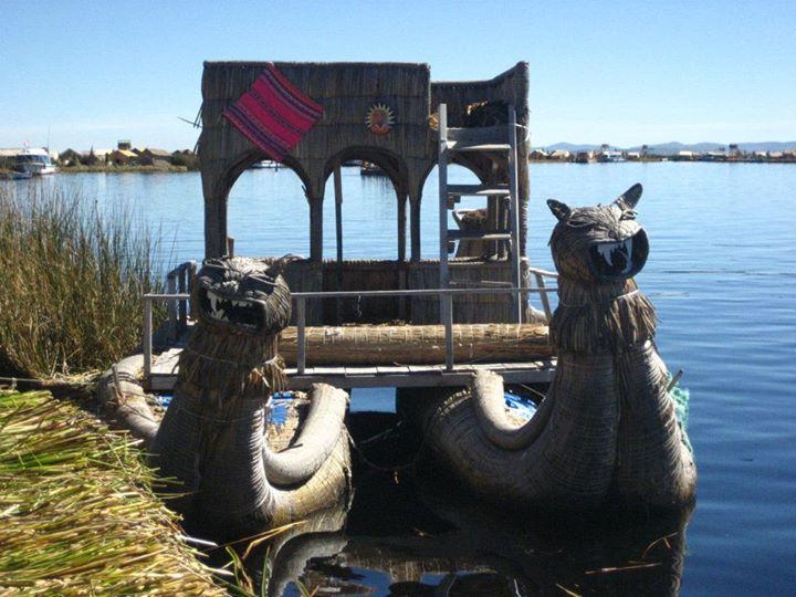 Isla de los Uros - Lago Titicaca - Perú 3