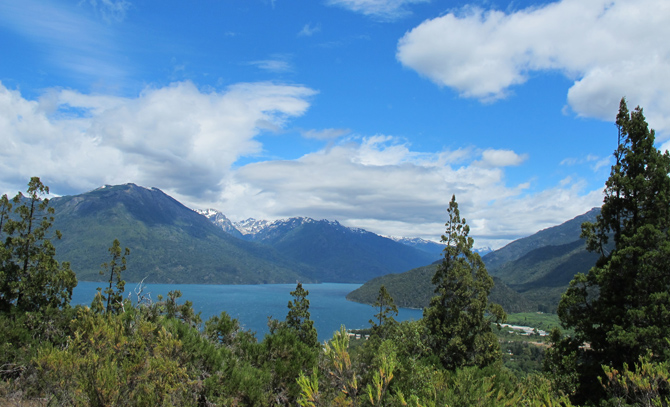 Vista de Lago Puelo desde el Cerro Currumahuida