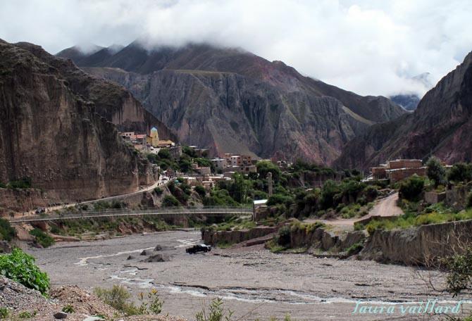 Vista de Iruya desde la entada del pueblo