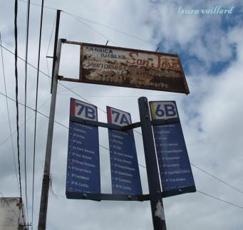 En Salta los colectivos tienen númeor y letra para indicar la zona a la que se dirigen