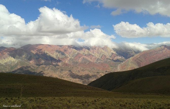 Vista de la Sierra del Hornacal, Jujuy, Argentina a 4.300 msnm - Cerro de los 14 colores